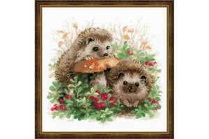 Borduurblad productfoto Borduurpakket Riolis 'Hedgehogs in lingonberries'