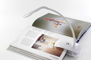 Borduurblad productfoto Daylight 'Smart Clip-On Lamp' 2